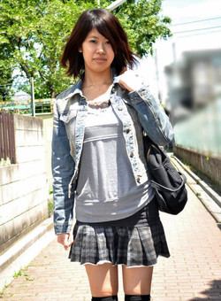 Japanese schoolgirl Chie Ishida oral sex