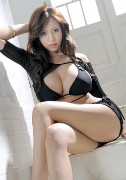 Beautiful oriental girl photos on the..